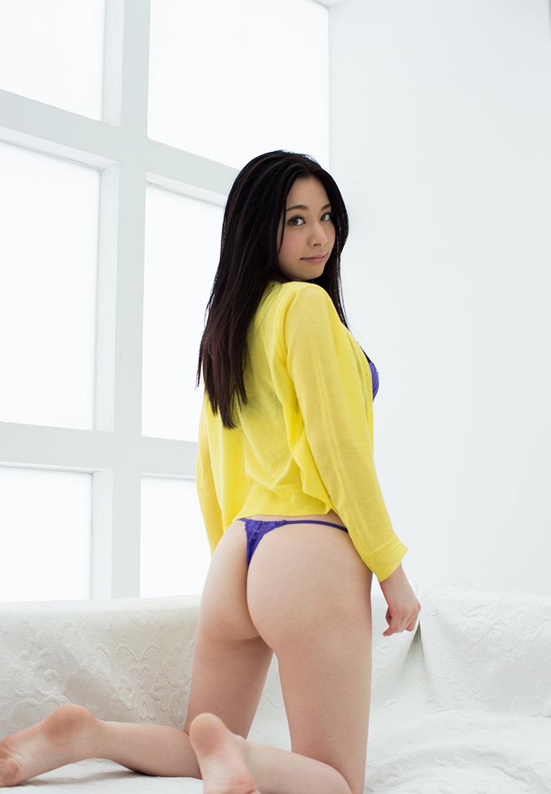 【Tバックエロ画像】Tバックで演出されたセクシーかつ美しいお尻に勃起必至! 54