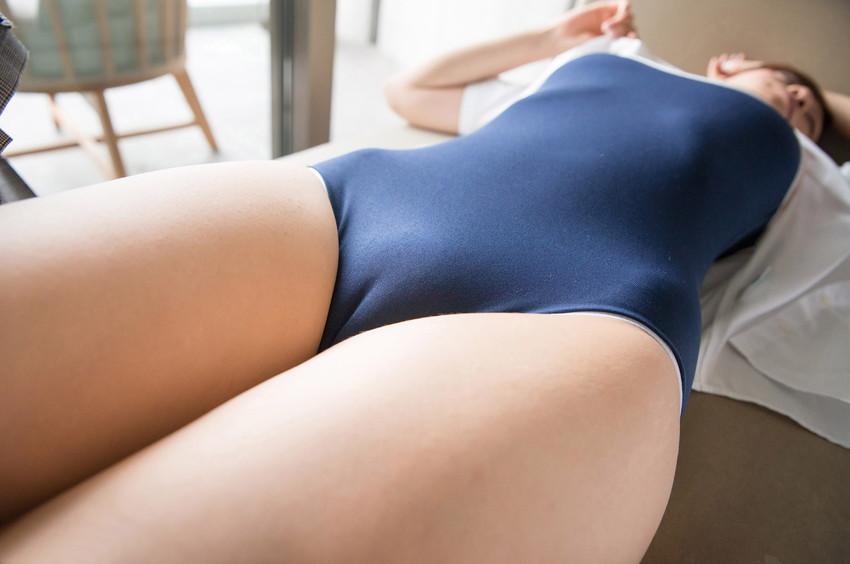 【マンスジエロ画像】女の子の股間に浮かび上がるタテスジは女の子の証! 03