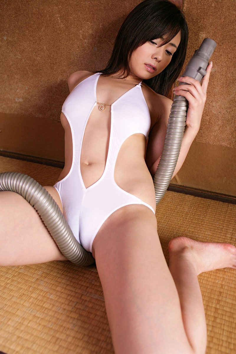 【マンスジエロ画像】女の子の股間に浮かび上がるタテスジは女の子の証! 09