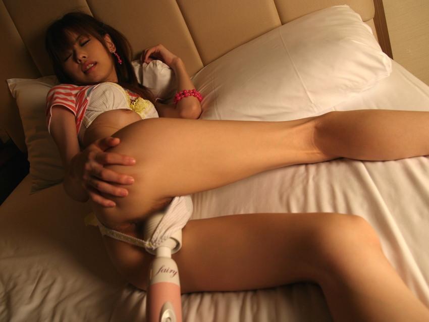 【電マ責めエロ画像】想像のナナメ上を行った家電!パワフルな電マで喘ぐ女達! 39