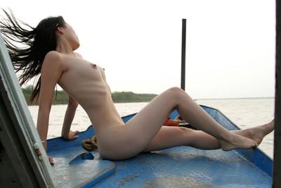 【中国人ヌードエロ画像】日本人に近いアジア人種だけあって違和感の無い中国人ヌード! 26
