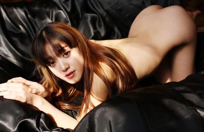 【中国人ヌードエロ画像】日本人に近いアジア人種だけあって違和感の無い中国人ヌード! 32