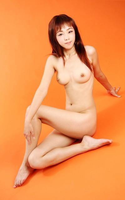 【中国人ヌードエロ画像】日本人に近いアジア人種だけあって違和感の無い中国人ヌード! 34