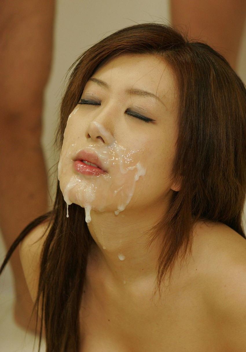 【顔射エロ画像】女の子の可愛い顔をザーメンでドロッドロに汚す顔射! 25
