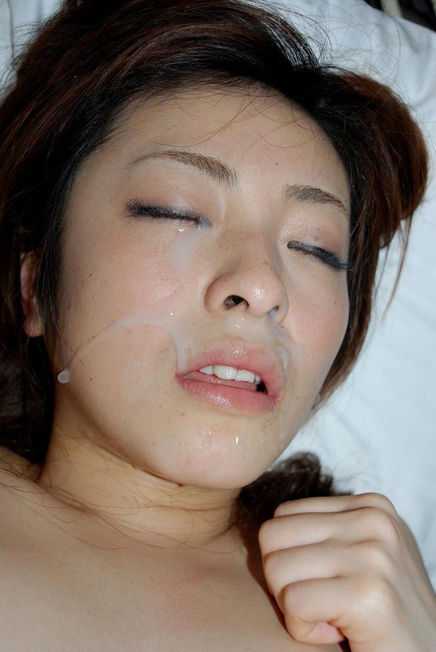 【顔射エロ画像】女の子の可愛い顔をザーメンでドロッドロに汚す顔射! 31