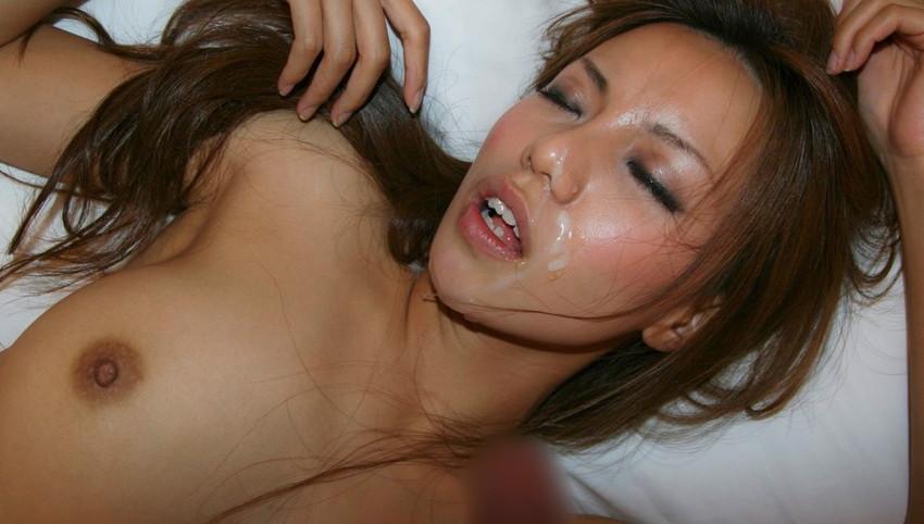 【顔射エロ画像】女の子の可愛い顔をザーメンでドロッドロに汚す顔射! 47