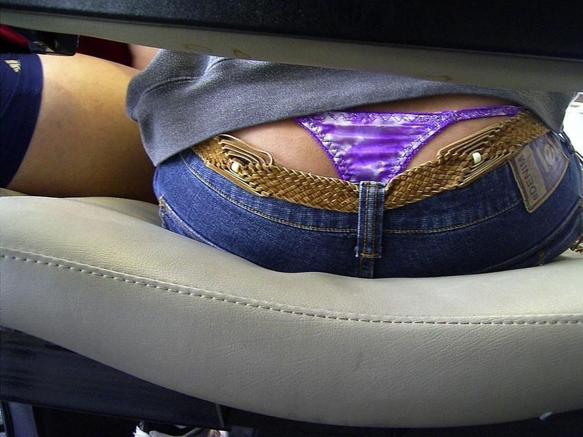 【ローライズエロ画像】こんなズボン履いてれば、こんな事にもなりますよ…。 13