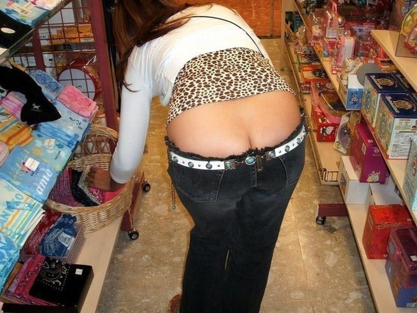 【ローライズエロ画像】こんなズボン履いてれば、こんな事にもなりますよ…。 28
