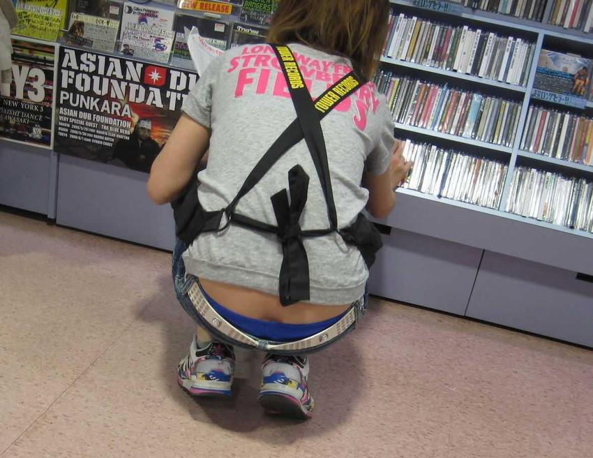 【ローライズエロ画像】こんなズボン履いてれば、こんな事にもなりますよ…。 41