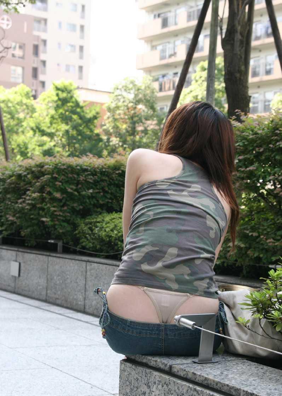 【ローライズエロ画像】こんなズボン履いてれば、こんな事にもなりますよ…。 49