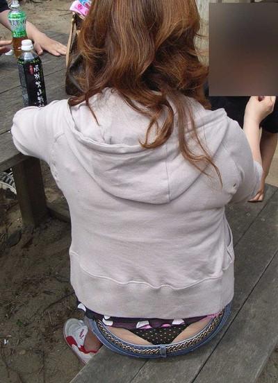 【ローライズエロ画像】こんなズボン履いてれば、こんな事にもなりますよ…。 31