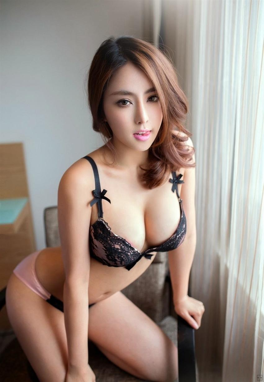 【セクシーランジェリーエロ画像】強いセックスアピール!セクシー下着でより大人な女に!? 13