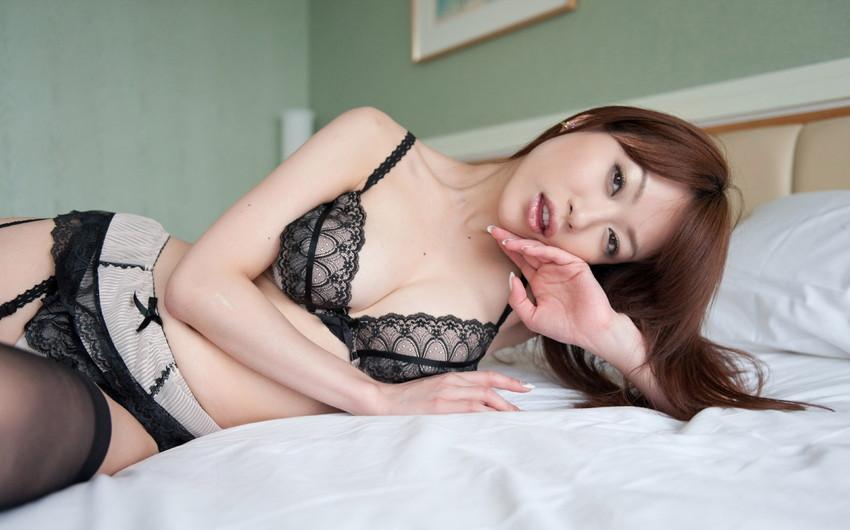 【セクシーランジェリーエロ画像】強いセックスアピール!セクシー下着でより大人な女に!? 24