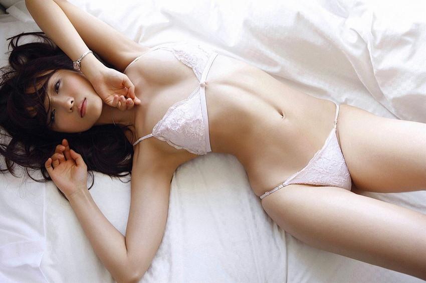 【セクシーランジェリーエロ画像】強いセックスアピール!セクシー下着でより大人な女に!? 28