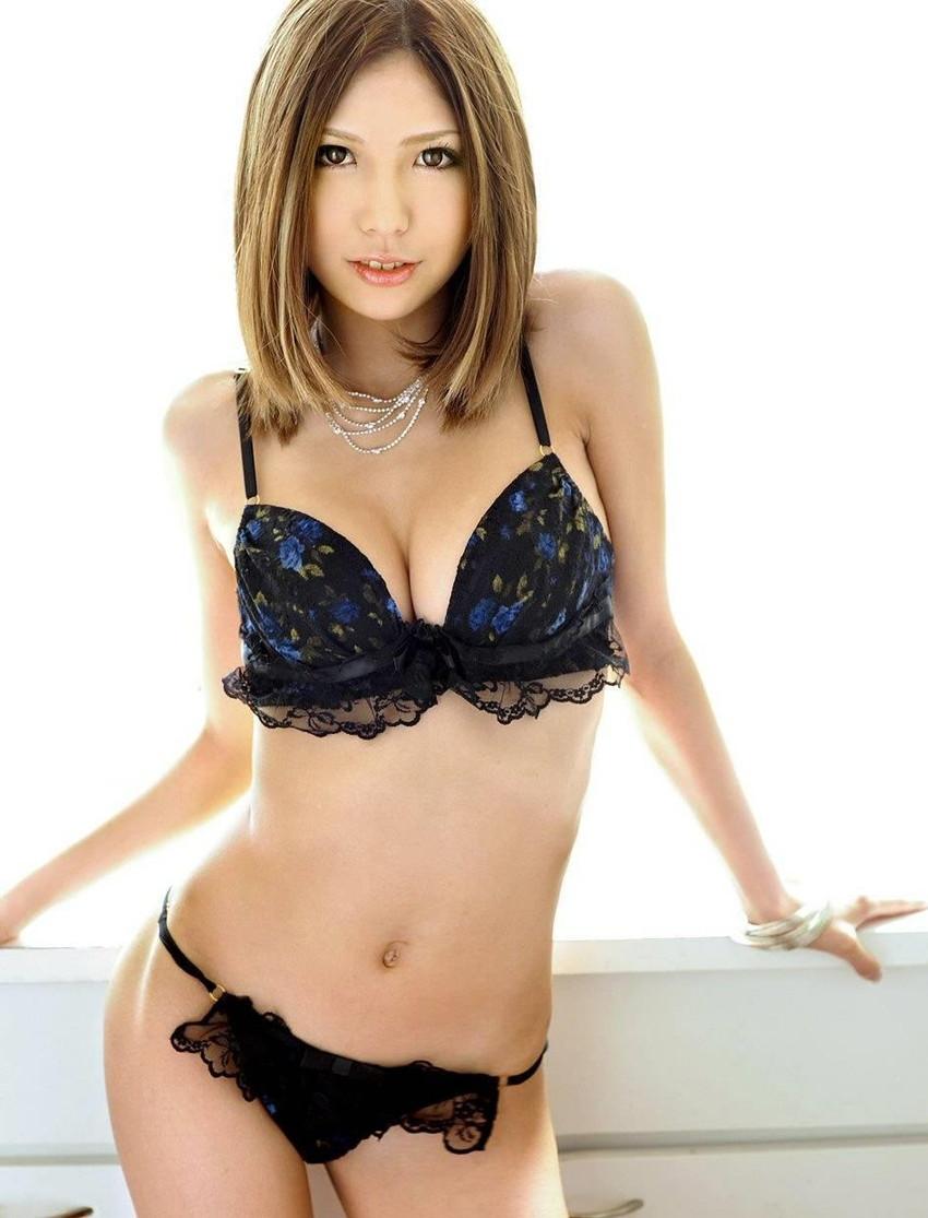 【セクシーランジェリーエロ画像】強いセックスアピール!セクシー下着でより大人な女に!? 46