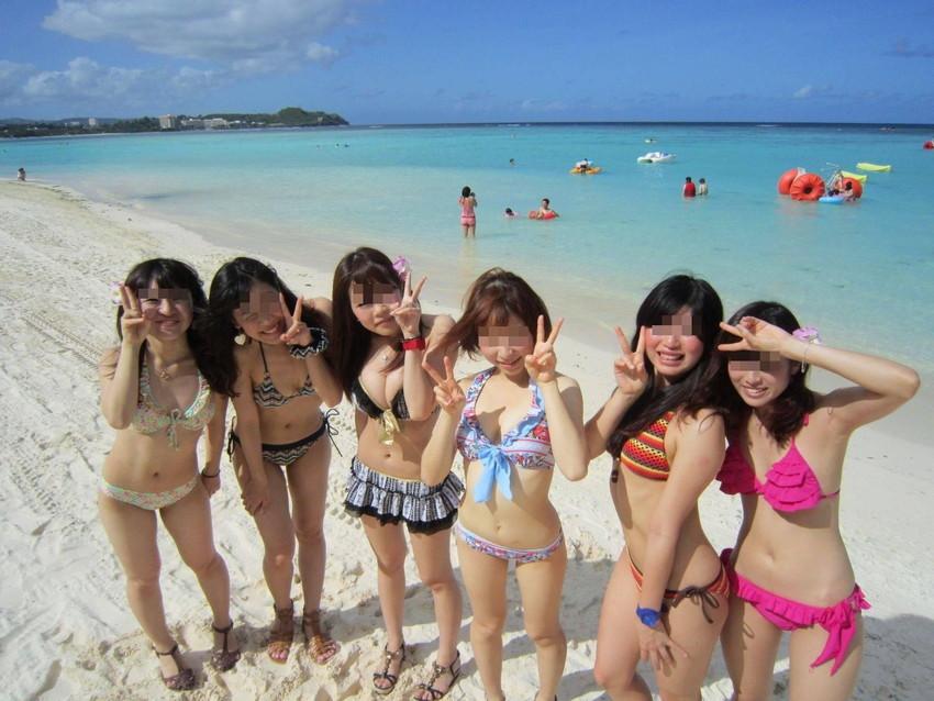 【素人水着エロ画像】素人娘たちの生々しい水着姿に勃起するやつちょっと来い! 09