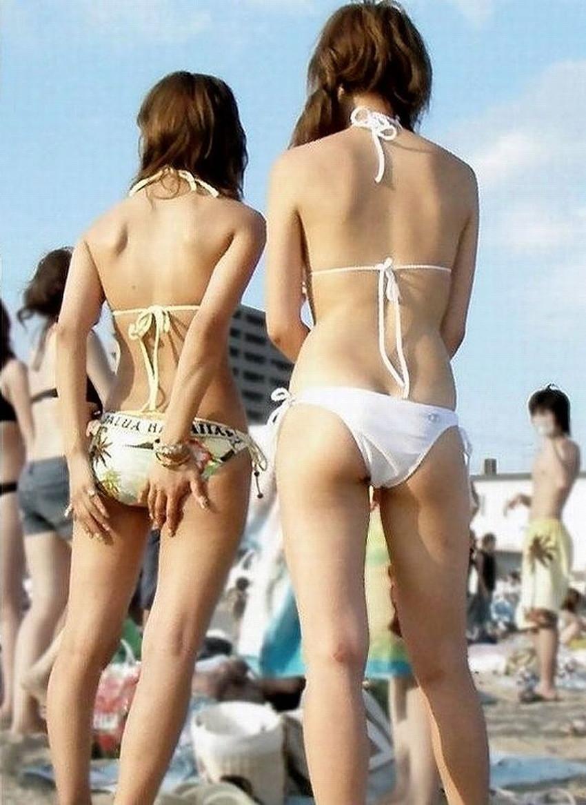 【素人水着エロ画像】夏といえばやっぱりコレだろ!?際どい水着の女の子たち! 25