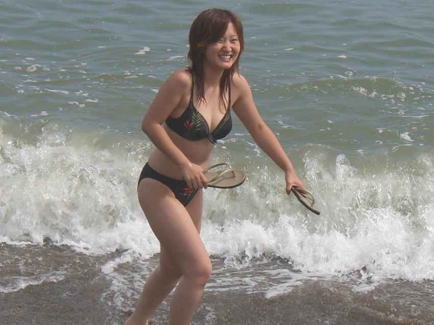 【素人水着エロ画像】夏といえばやっぱりコレだろ!?際どい水着の女の子たち! 30