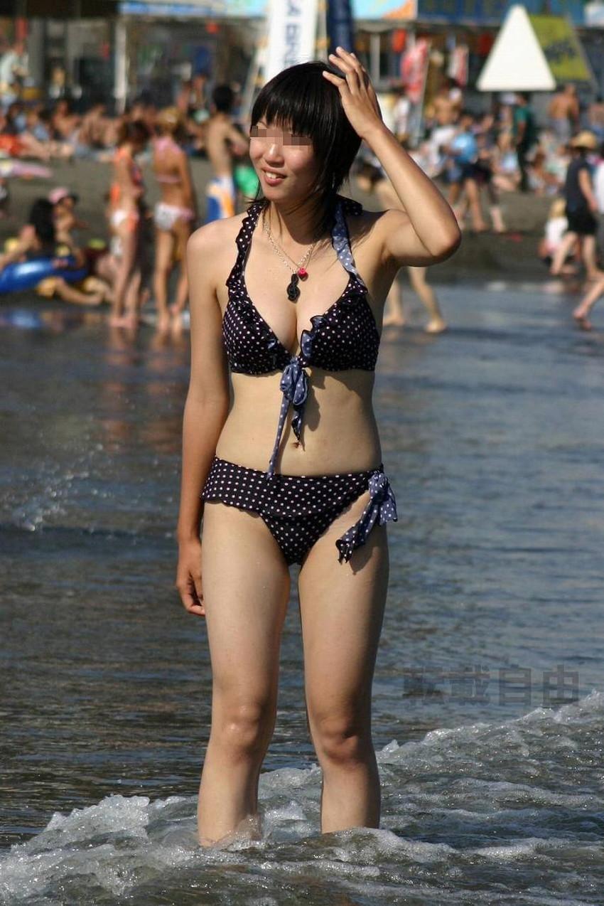 【素人水着エロ画像】夏といえばやっぱりコレだろ!?際どい水着の女の子たち! 46