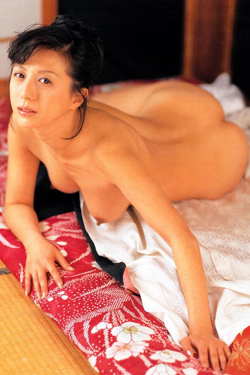 【小林ひとみエロ画像】年をとってもやっぱり美しい昭和のAV女優!小林ひとみ 15