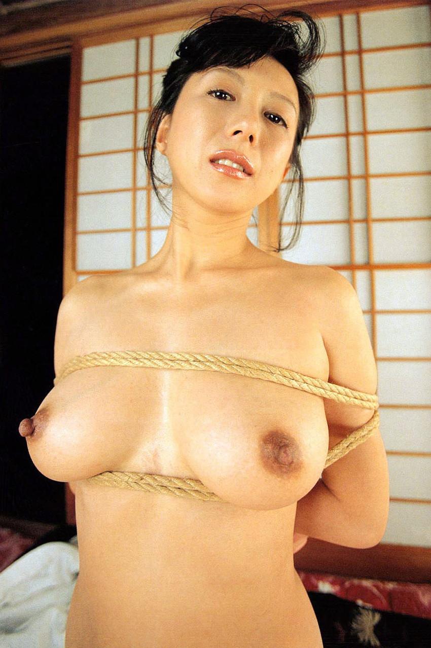 【小林ひとみエロ画像】年をとってもやっぱり美しい昭和のAV女優!小林ひとみ 17