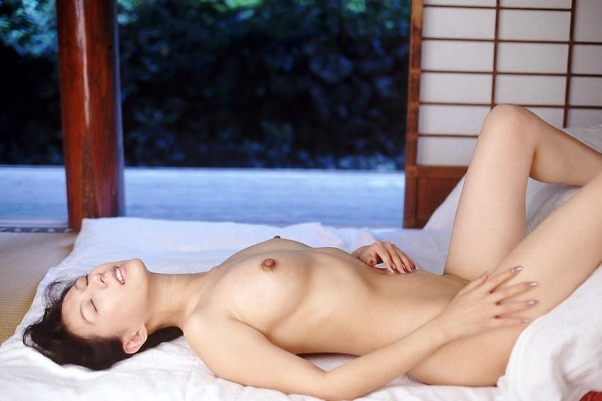 【小林ひとみエロ画像】年をとってもやっぱり美しい昭和のAV女優!小林ひとみ 39