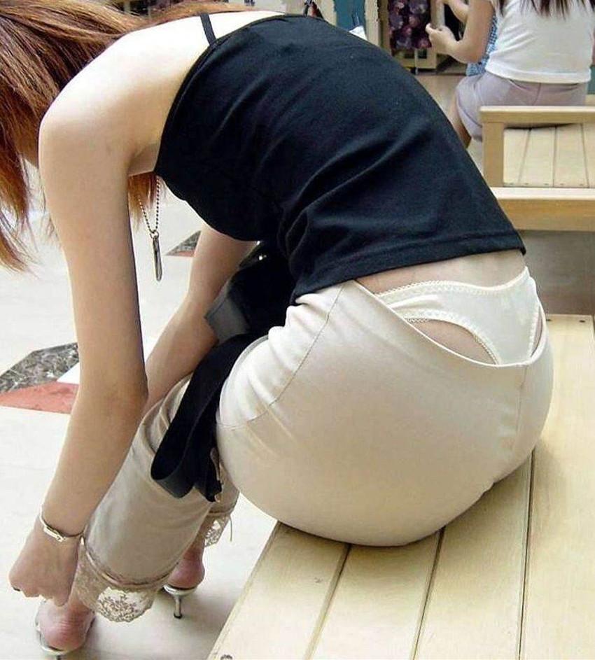 【ローライズエロ画像】そのズボンの位置下がり過ぎじゃない!?ローライズエロ画像 08