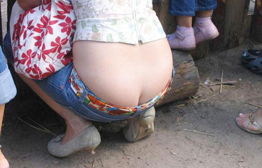 【ローライズエロ画像】そのズボンの位置下がり過ぎじゃない!?ローライズエロ画像 43
