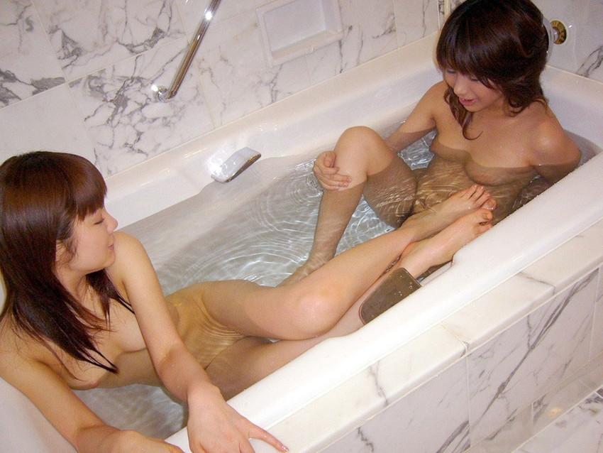 【レズビアンエロ画像】もったいない!こんな可愛いレズビアンたちwww 05