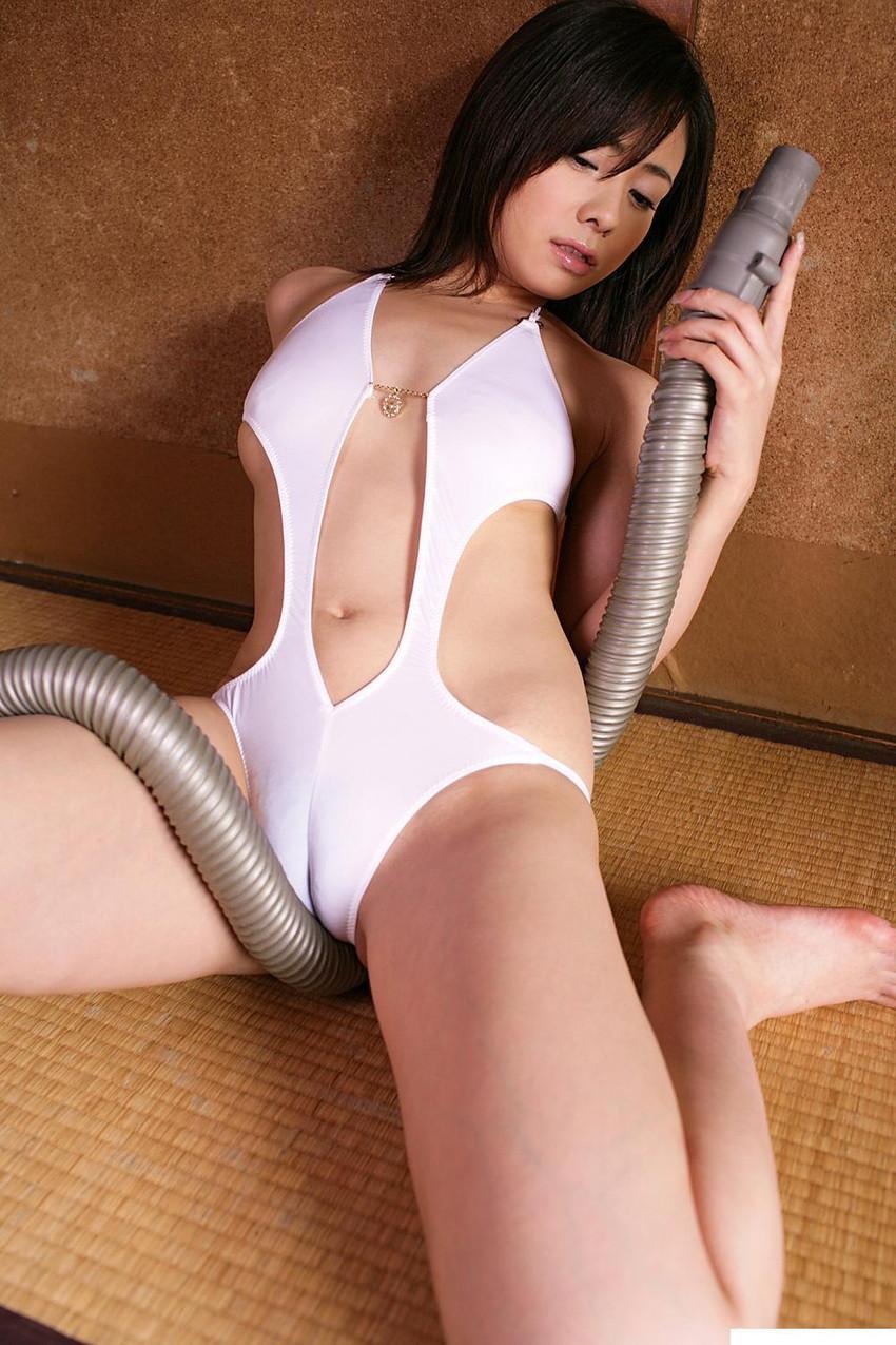 【マンスジエロ画像】食い込んだ股間!浮き彫りになるオマンコ!こりゃ抜ける! 31