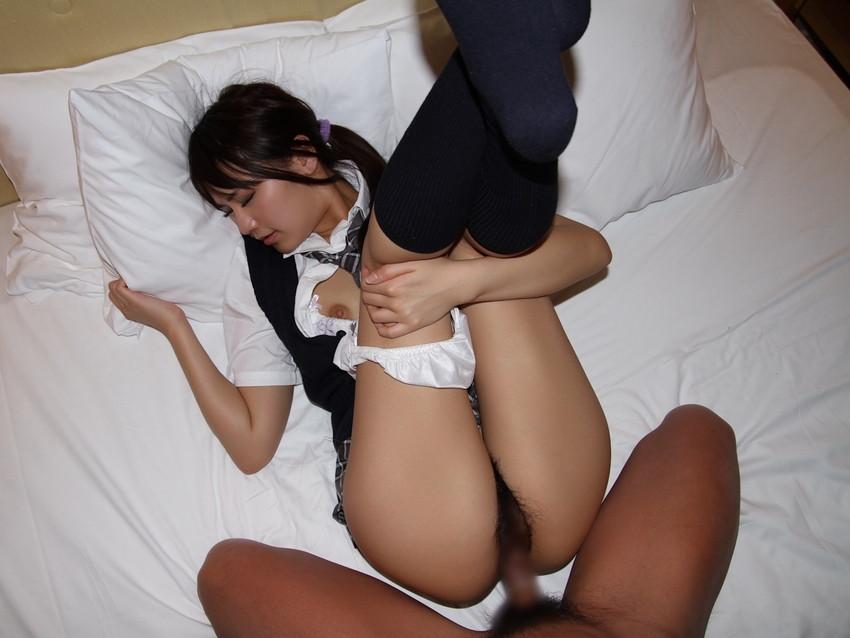 【JK制服セックスエロ画像】JK制服コスの女の子達が激しいセックスで喘ぐ喘ぐ! 31