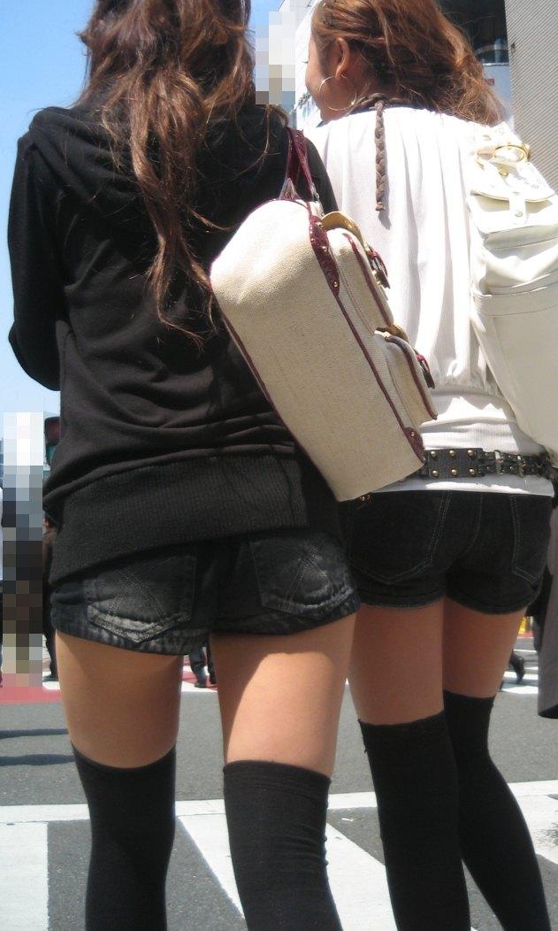 【ホットパンツエロ画像】普段着なのになぜかエロい!これは意識しすぎじゃ…っていうホットパンツw 32