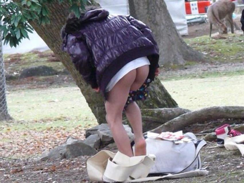 【着替え盗撮エロ画像】まさかカメラがあったなんて!?着替え中を盗撮された素人娘! 45