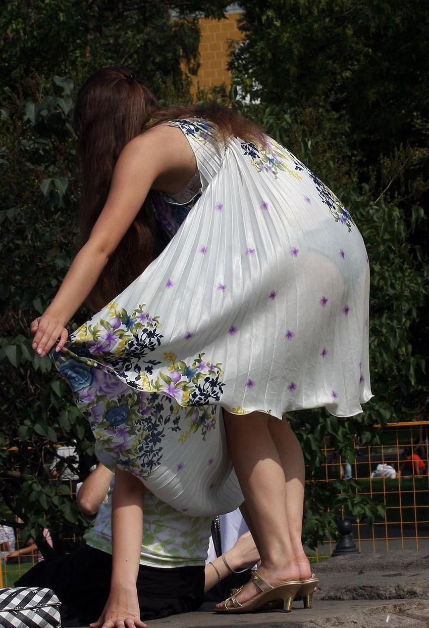 【素人着衣透けエロ画像】見せるつもりのない着衣から透けた素人娘のランジェリー! 06