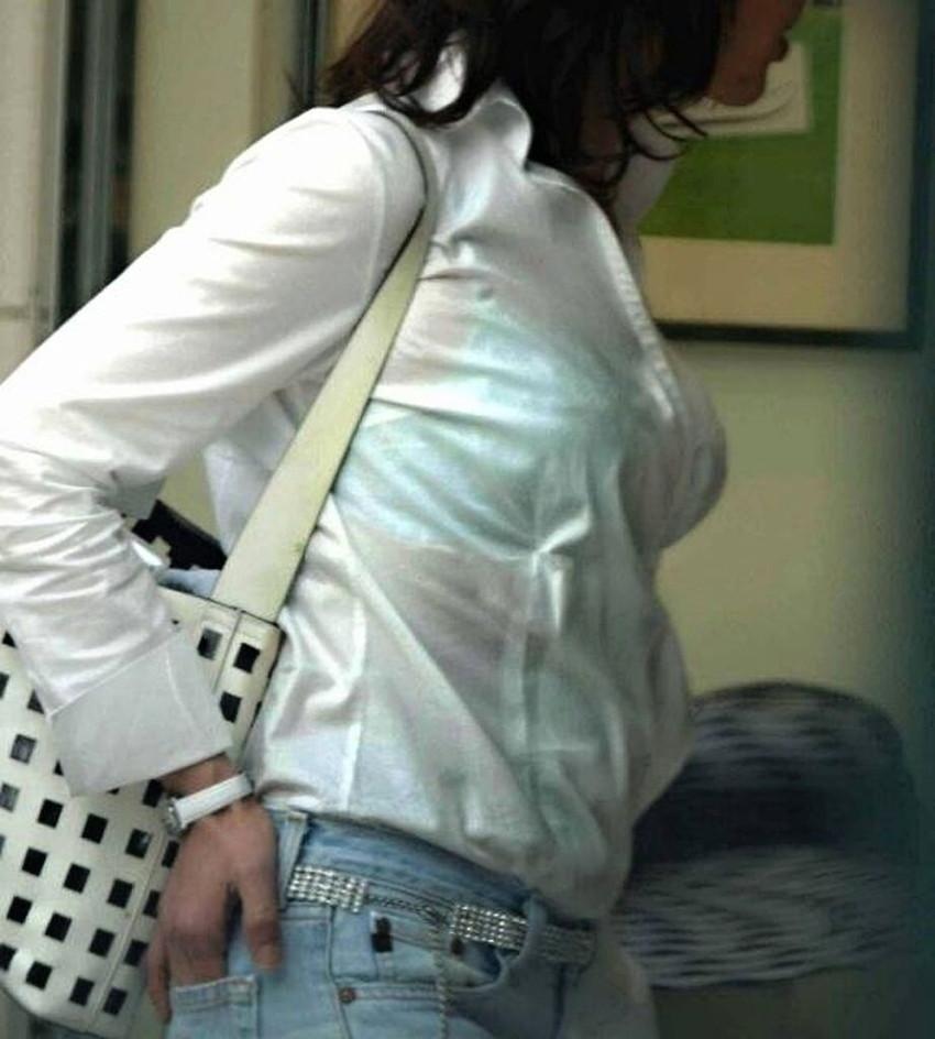 【素人着衣透けエロ画像】見せるつもりのない着衣から透けた素人娘のランジェリー! 18