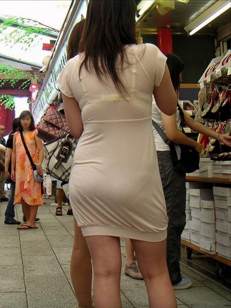 【素人着衣透けエロ画像】見せるつもりのない着衣から透けた素人娘のランジェリー! 19