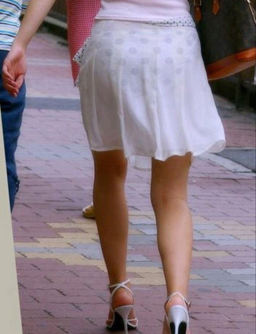 【素人着衣透けエロ画像】見せるつもりのない着衣から透けた素人娘のランジェリー! 23