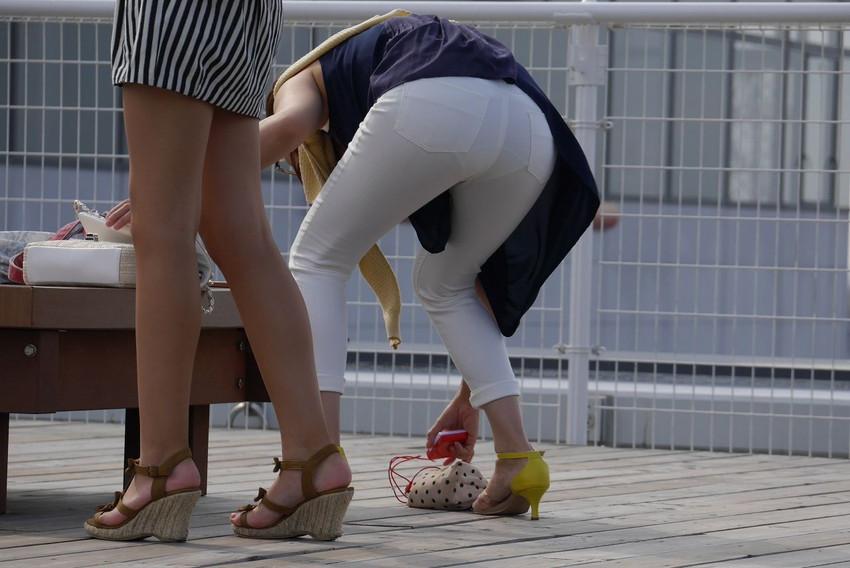 【素人着衣透けエロ画像】見せるつもりのない着衣から透けた素人娘のランジェリー! 24