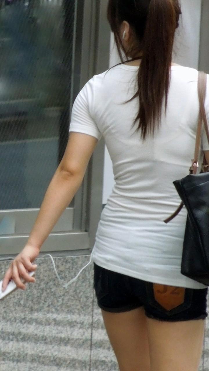 【素人着衣透けエロ画像】見せるつもりのない着衣から透けた素人娘のランジェリー! 31