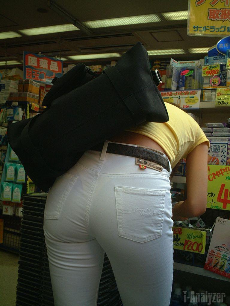 【素人着衣透けエロ画像】見せるつもりのない着衣から透けた素人娘のランジェリー! 33