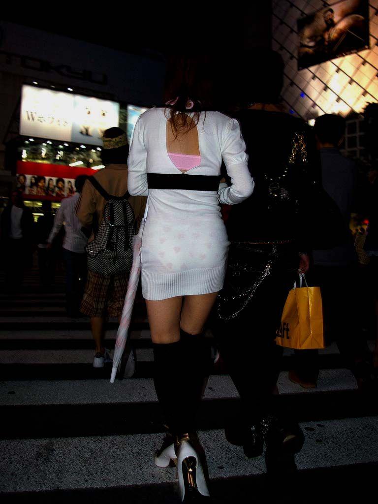 【素人着衣透けエロ画像】見せるつもりのない着衣から透けた素人娘のランジェリー! 42