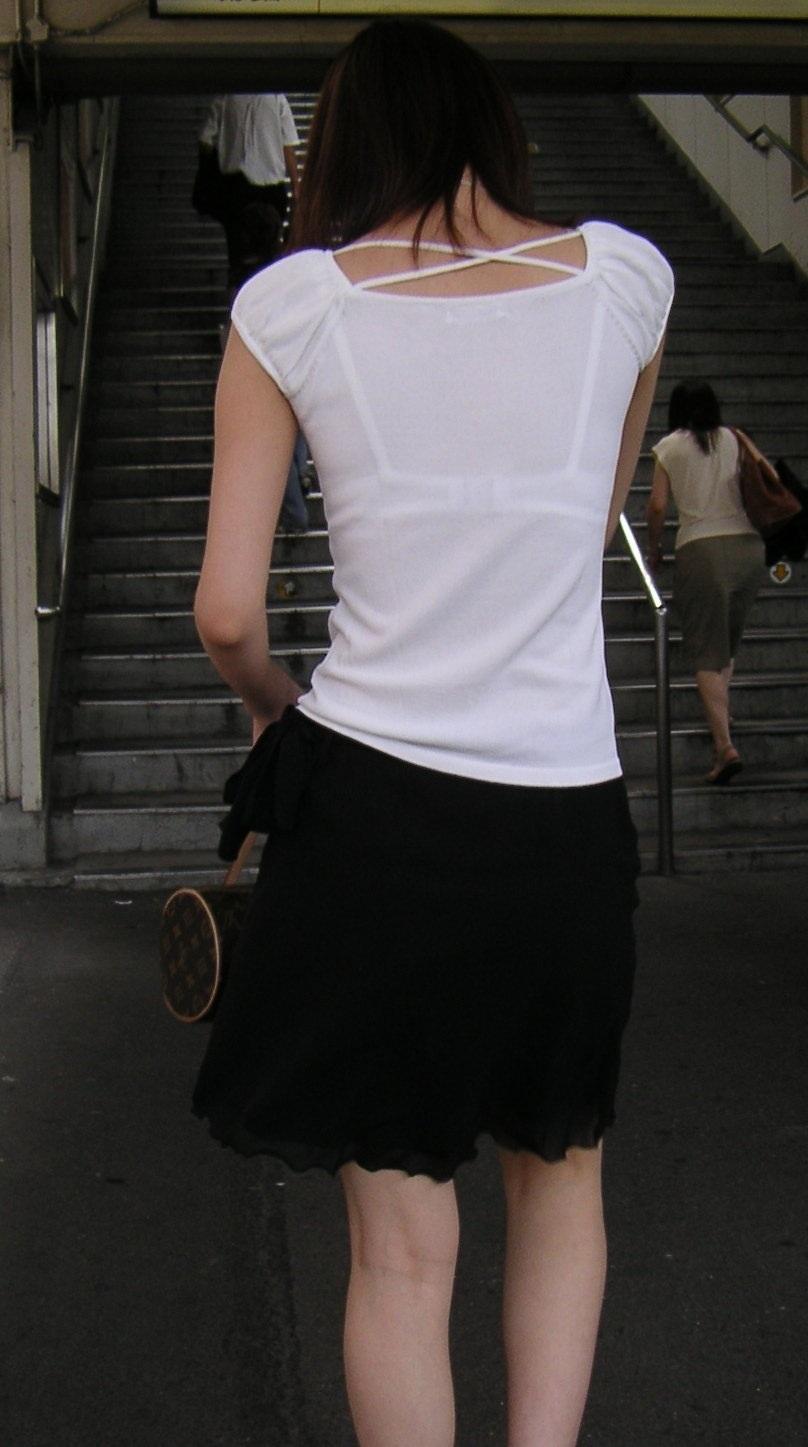 【素人着衣透けエロ画像】見せるつもりのない着衣から透けた素人娘のランジェリー! 51
