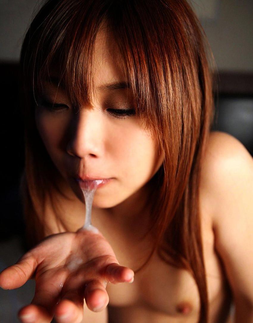 【口内発射エロ画像】女の子のかわいいお口の中にザーメン流しこんだれwww 06
