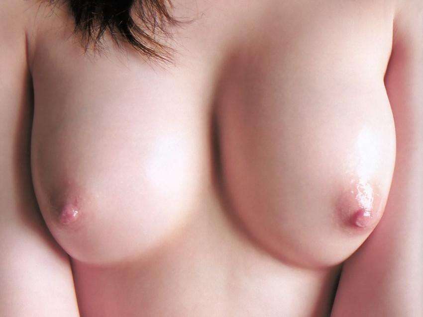 【ピンク色の乳首エロ画像】色素の薄いほんのりピンク色の美しすぎる乳首! 06