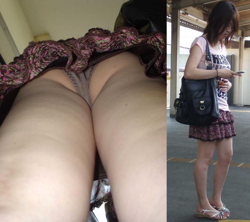 【パンチラ逆さ撮りエロ画像】スカートの中身を真下から狙った逆さ撮り! 19