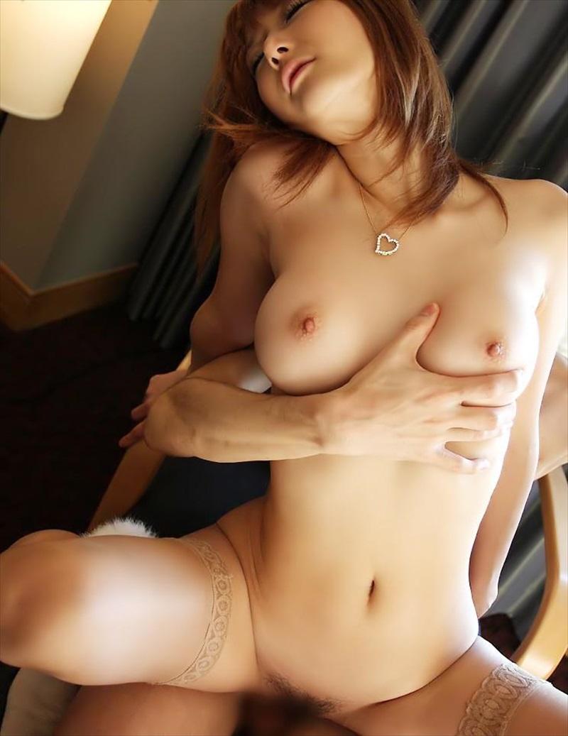 【背面騎乗位エロ画像】背面騎乗位とかいう体位でセックスする女の画像集めたったww 26
