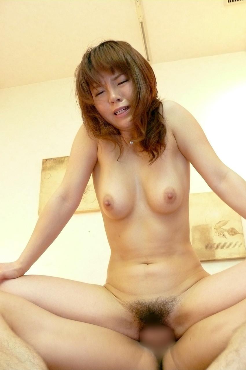 【背面騎乗位エロ画像】背面騎乗位とかいう体位でセックスする女の画像集めたったww 43