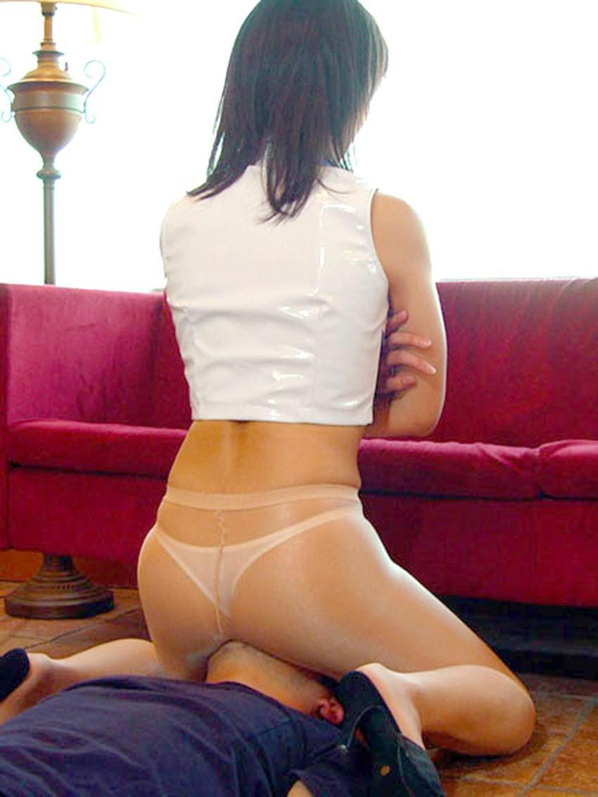 【顔面騎乗エロ画像】女の子が自らクンニをねだる行為!?顔面騎乗! 14