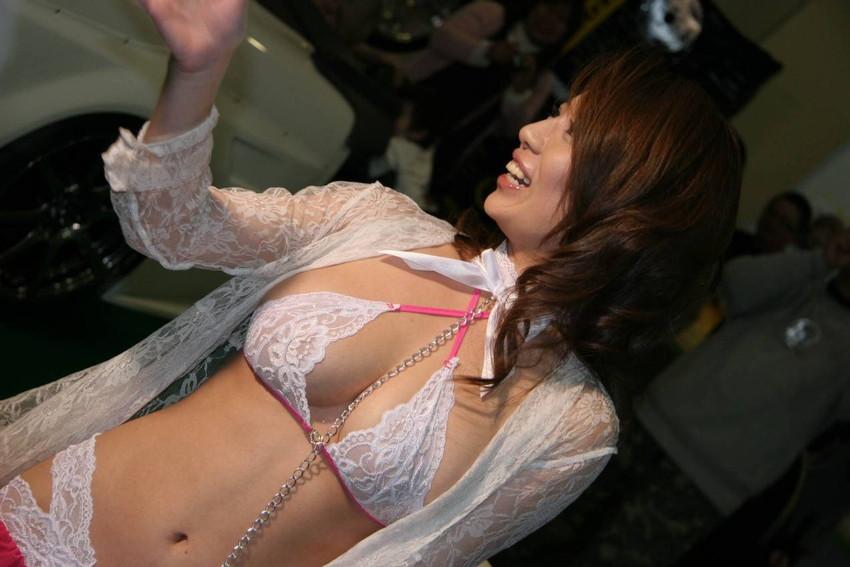 【キャンギャルエロ画像】キャンギャルたちの過激コスチュームにフル勃起! 29