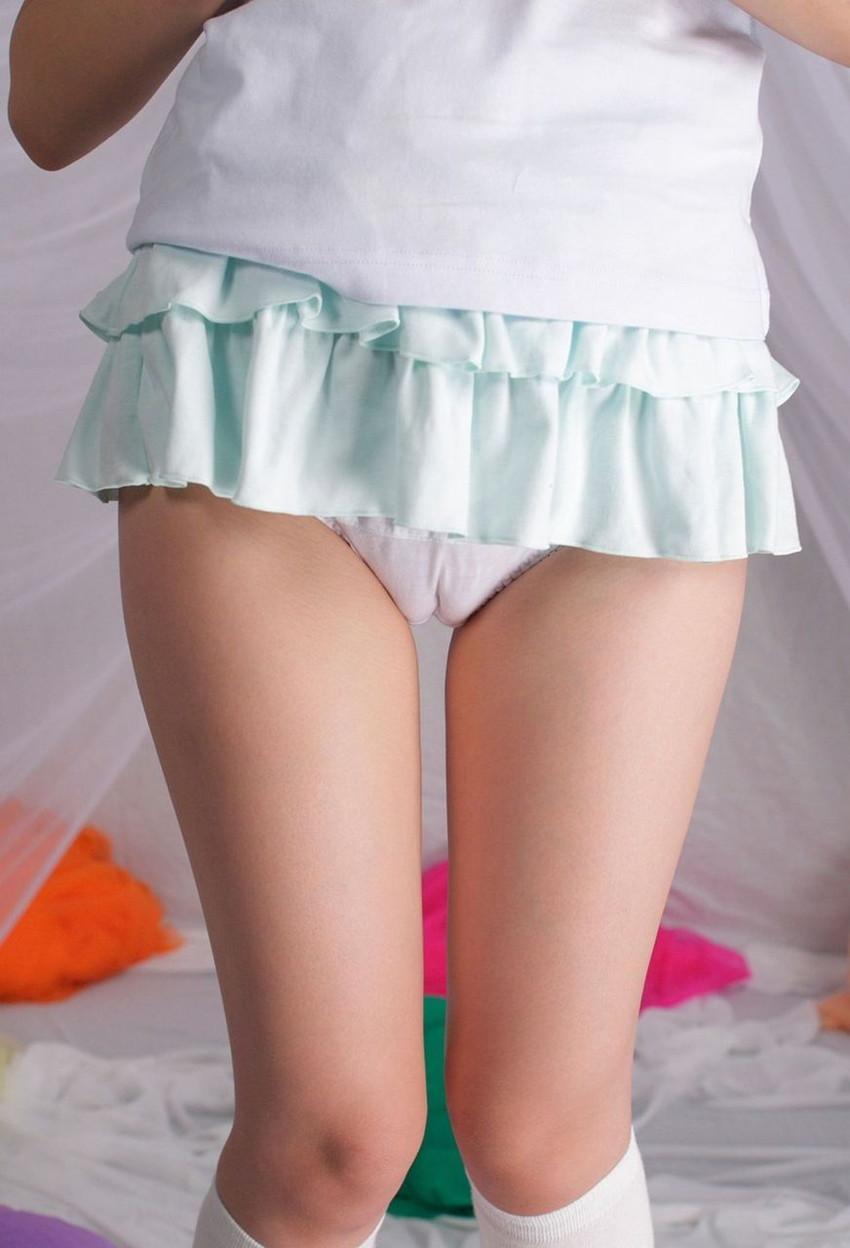 【マンスジエロ画像】女の子の股間に浮かんだタテスジに勃起不可避!www 02